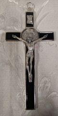 Cruz de San Benito con Cristo (negro) - Saint Benedict w/ Christ on the Cross (black)