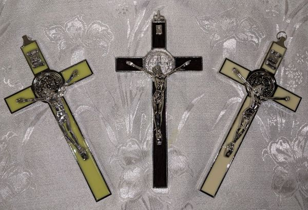Cruz de San Benito (estilo italiano/negro) - Saint Benedict Cross (black/italian style))