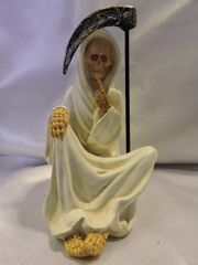 Santa Muerte Blanca No Hablar - White Holy Death Speak No Evil