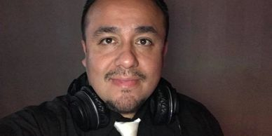 Larry Zelaya DJ LZ of Prestige Sounds NW and Paradox Productions wedding and event DJs