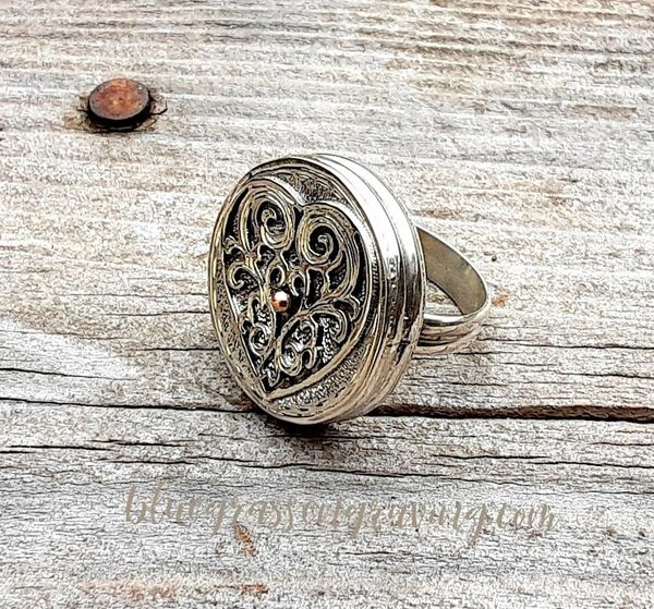 Elizabeth Heart Filigree Silver Ring