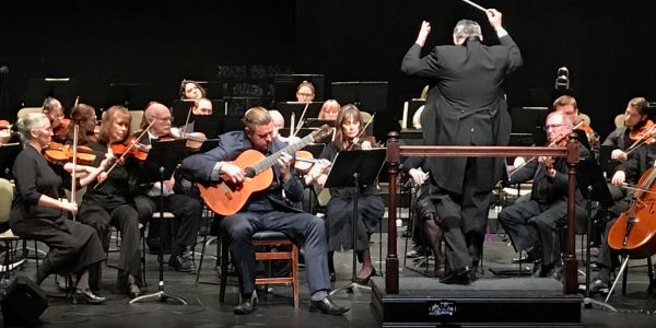 Berto Boyd performs as a soloist with the Salem Philharmonic Orchestra the Concierto en Re.