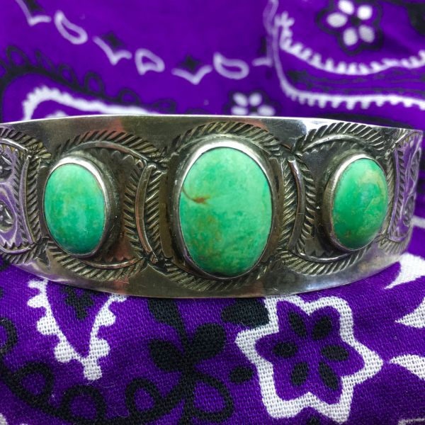 SOLD 1920s TRADINGPOST STERLING SILVER SNAKES WITH FANGS, WIGGLY ARROWS & FEATHER STAMPED 3 OVAL GREEN TURQUOISE STONE SMALL WRIST CUFF BRACELET