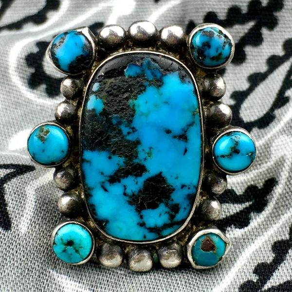 SOLD 1920s FINELY MADE DEEP VIVID BLUE BISBEE TURQUOISE 7 STONE INGOT SILVER RING.