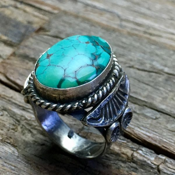 SOLD 1950s SPIDERWEB OVAL TURQUOISE STONE SIDE SHIELD & PEYOTE BUTTON INGOT SILVER RING
