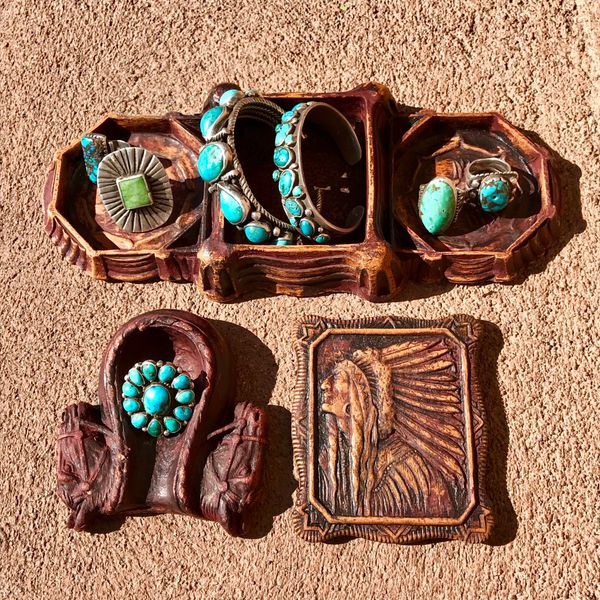SOLD 1900s PRESSED SAWDUST MENS DRESSER TOP JEWELRY TRAY SET WITH INDIAN CHIEF HEAD, HORSE HEADS AND SADDLE