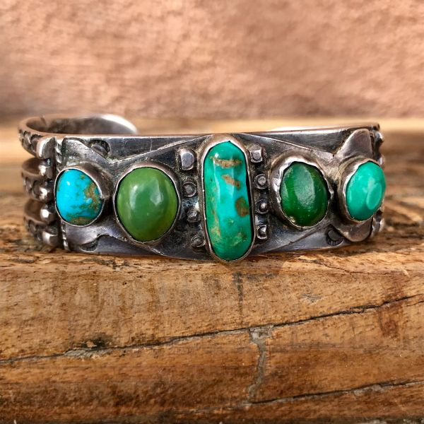 SOLD 1910s 5 GREEN & BLUE TURQUOISE STONES ON SPLIT SHANK STAMPED INGOT SILVER CUFF