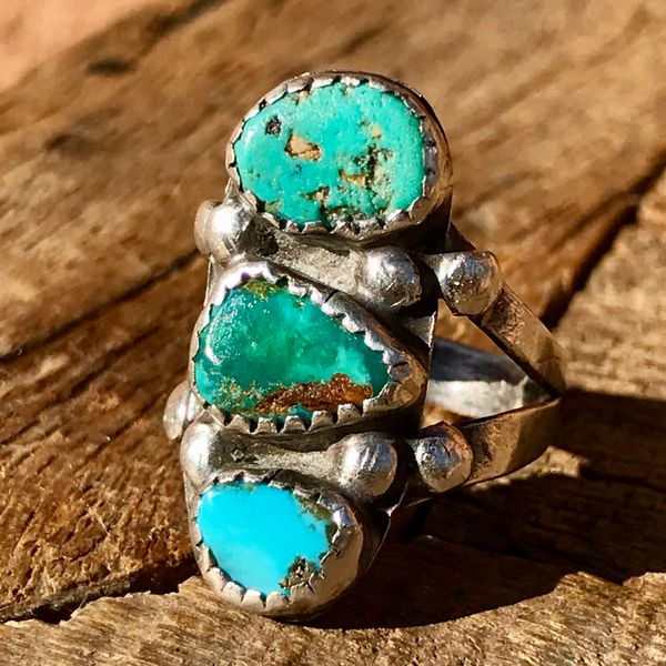 SOLD 1920s INGOT SILVER HANDCUT SAWTOOTH BEZEL BLUE & GREEN TURQUOISE STOPLIGHT RING