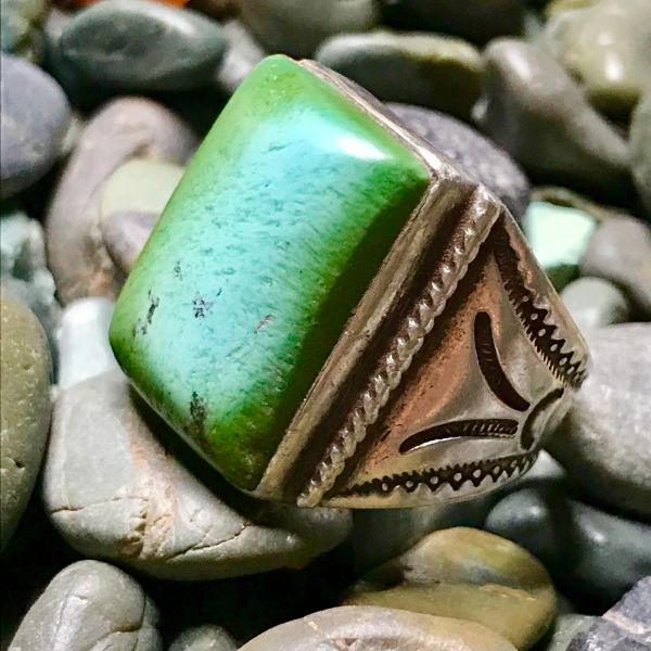 1940s GIANT BLUE & GREEN RECTANGLE TALL TURQUOISE STONE ON SILVER CIGAR BAND RING