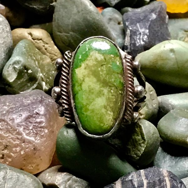 1920s OVAL GREEN TURQUOISE INGOT SILVER RING