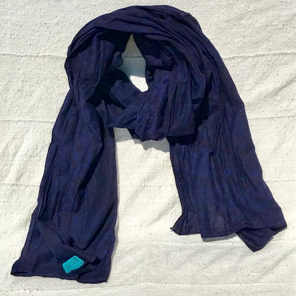 1960s FLORAL INDIGO OVERDYED COTTON ELEPHANT TRUNK UP HANDSEWN BANDANNA SCARF