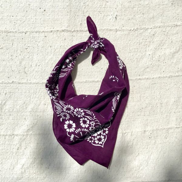 1970s PURPLE FAST COLOR COTTON VINTAGE BANDANNA