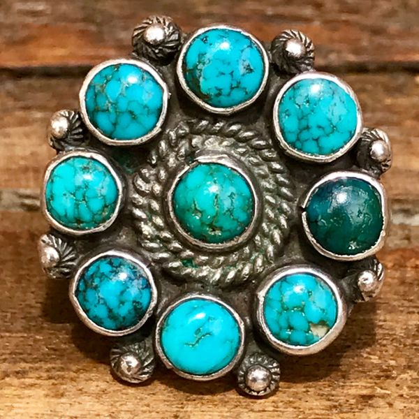1930s ROUND SILVER BLUE & GREEN SPIDERWEB TURQUOISE ZUNI CLUSTER PETIT POINT PINKY RING