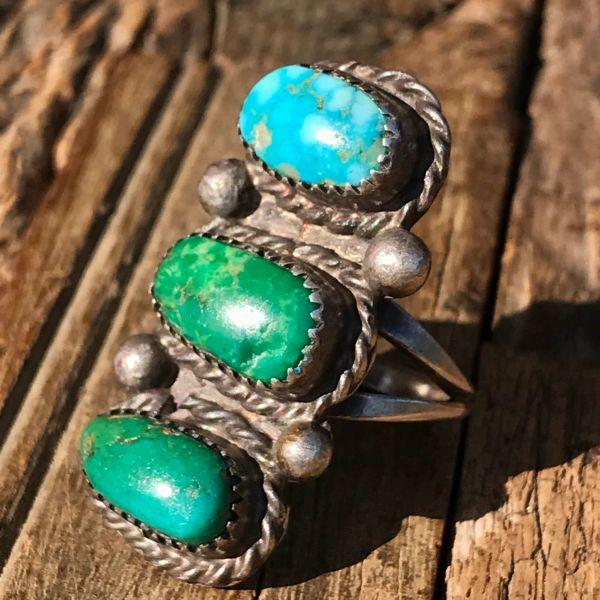 SOLD 1930s HANDCUT BEZELS INGOT SILVER BLUE & GREEN TURQUOISE STOPLIGHT STYLE RING