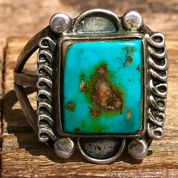 SOLD 1940s ROYSTON UE & GREEN TURQUOISE SQUARE SILVER PINKY RING
