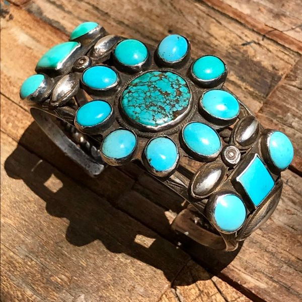 1920s ZUNI CLUSTER PETIT POINT BLUE & GREEN & EVEN ONE NUMBER 8 STONE SILVER CUFF BRACELET