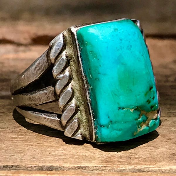 1920s INGOT SILVER RECTANGLE VIVID BLUE GREEN ROYSTON TURQUOISE RING