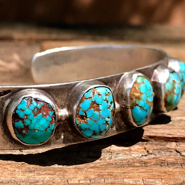 SOLD 1920s BATTLE MOUNTAIN SPIDERWEBBED TURQUOISE ARROW STAMPED SILVER ROW CUFF