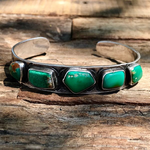 SOLD 1940s CERILLOS GREEN QUARTZ MATRIX TURQUOISE ARROW STAMPED SILVER ROW CUFF