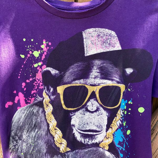 RAPPER HIP HOP GOLD CHAIN TRUCKER CAP MONKEY CHIMPANZEE PURPLE T-SHIRT