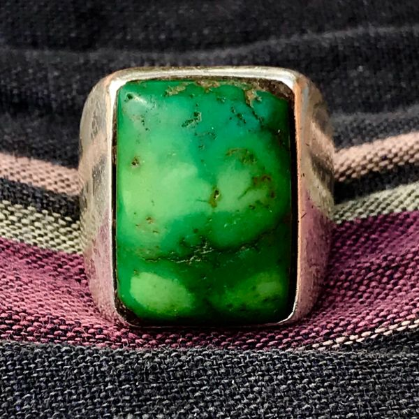 1940s SANDCAST RECTANGLE CERILLOS GREEN TURQUOISE WIDE BAND MENS RING