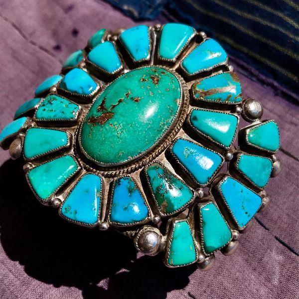 1930s ZUNI CLUSTER PETIT POINT BLUE & GREEN WIDE JUMBO SILVER CUFF BRACELET