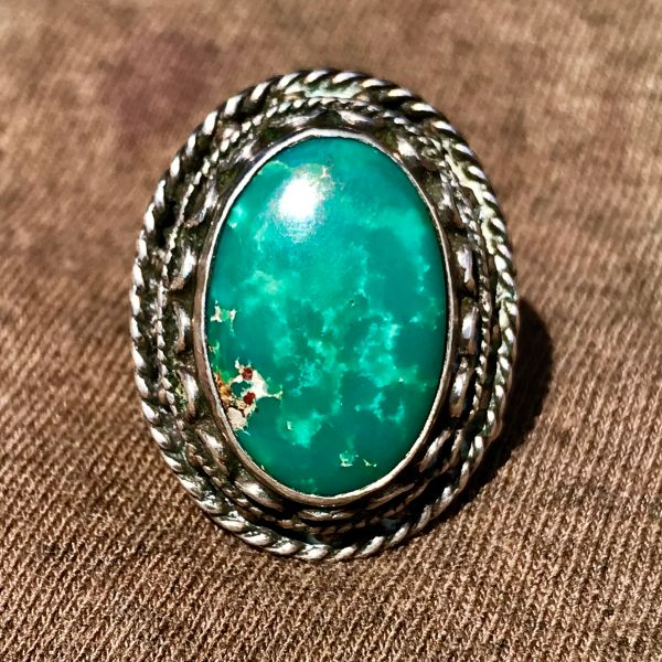 1930s OVAL HEAVY GREEN TURQUOISE ORNATE SILVER RING