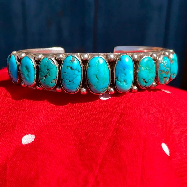 1920s VIVID BLUE OVAL 11 TURQUOISE STONE ROW CUFF CARINATED INGOR SILVER BRACELET