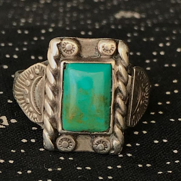 1930 SMALL SILVER BLUE & GREEN TURQUOISE RECTANGLE RING FRED HARVEY ERA STAMPED SIDE SHIELDS