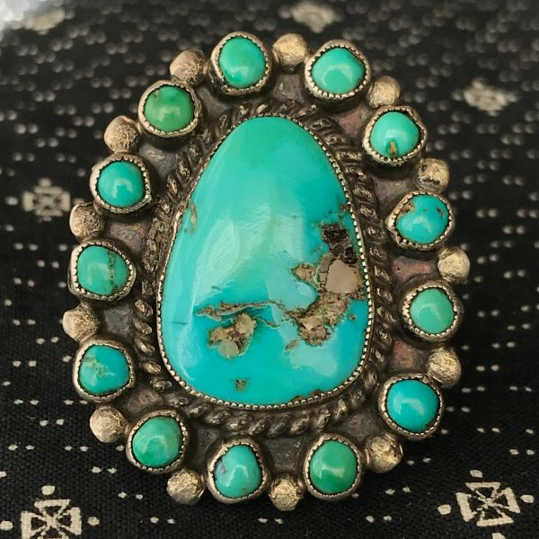 1940s HUGE BLUE & GREEN TURQUOISE ZUNI PETIT CLUSTER SILVER RING