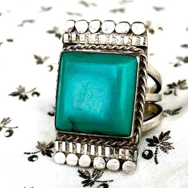 1930s FINGER LONG HUGE BLUE SQUARE TURQUOISE SILVER RING