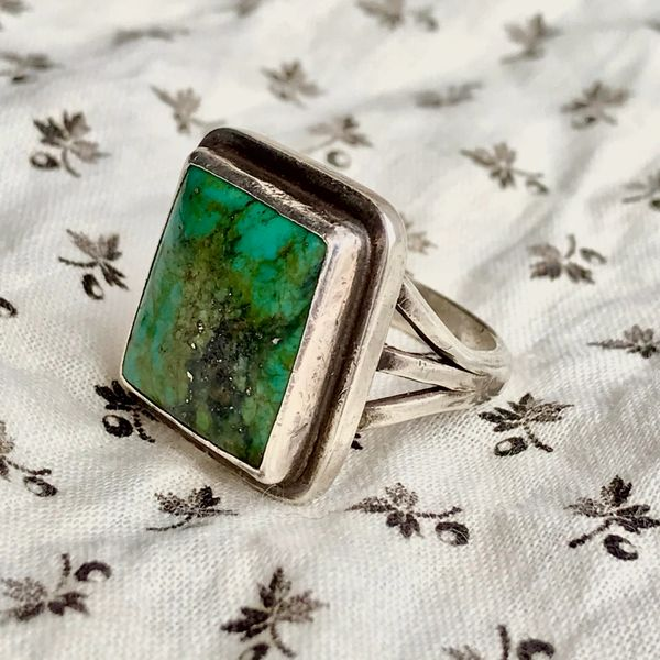 SOLD 1970s SQUARE RECTANGLE NEVADA GREEN TURQUOISE SILVER RING