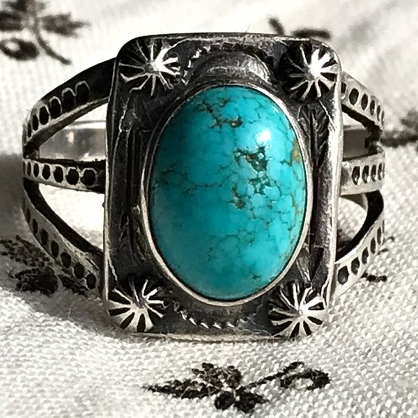 1930s PEYOTE BUTTON TRADING POST FRED HARVEY ERA OVAL BLUE TURQUOISE SMALL SILVER RING