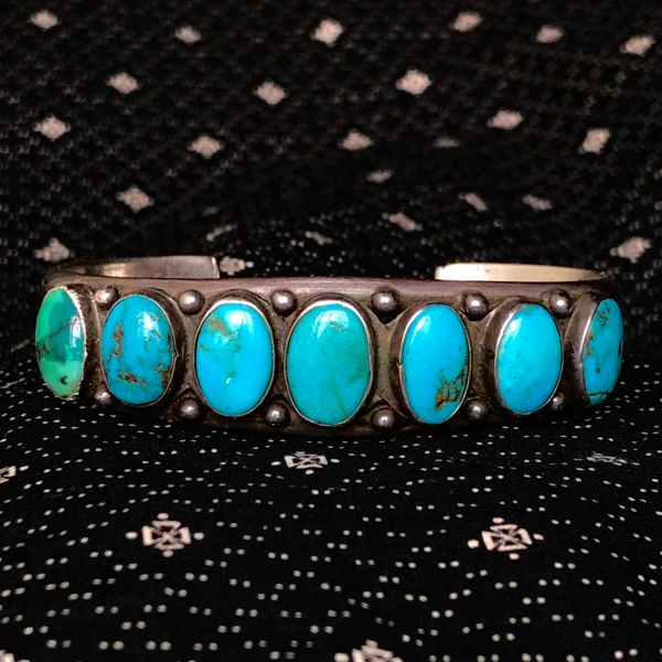 1920s BLUE & GREEN OVAL TURQUOISE ROW CUFF BRACELET