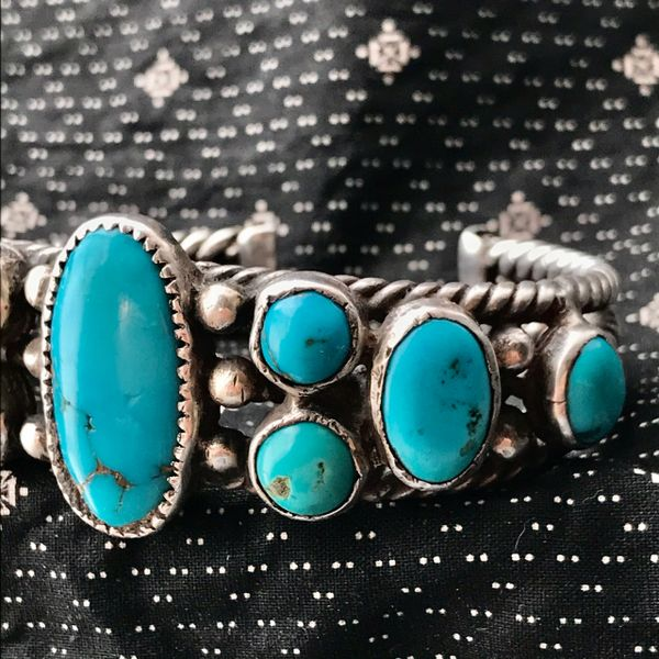 1920s HAND PULLED HAND DRAWN INGOT WIRE NEON BLUE ROUND & OVAL BIG MENS TURQUOISE ROW CUFF BRACELET