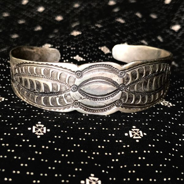 1920s CARVED STAMPED GEOMETRIC WATER BUG STYLE INGOT SILVER CUFF BRACELET