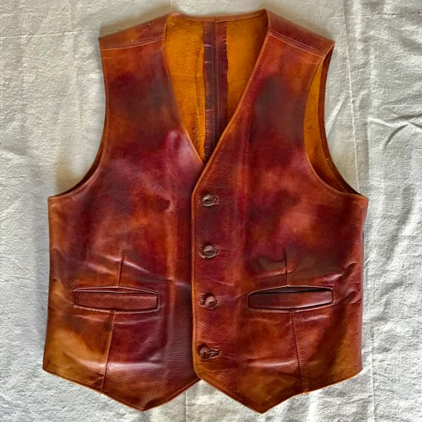 1970s OILED LEATHER MENS SLIM WESTERN VEST WITH LEATHER BUTTONS