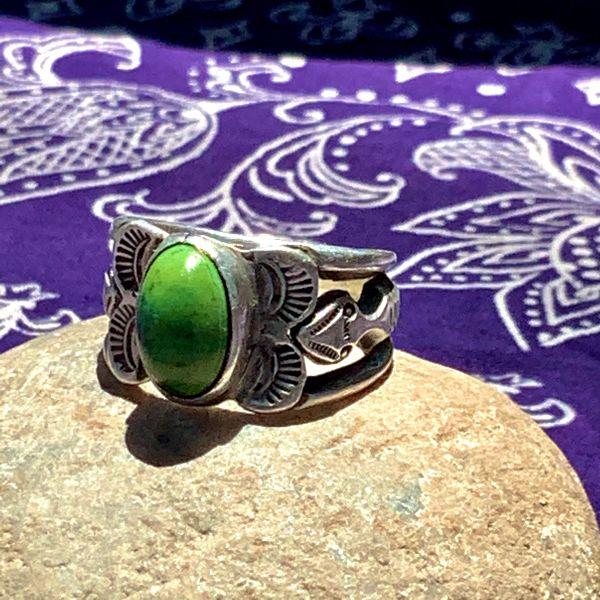 SOLD 1900s EXCEPTIONALLY RARE HOPI FIGUAL CARVED INGOT SILVER HOLY SNAKES BAND WITH GREEN OVAL DOMED TURQUOISE RING
