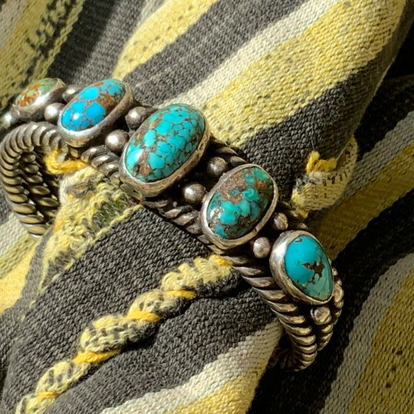 1920s PERSIAN TURQUOISE OVAL DOMED SPIDERWEBBED BLUE AND GREEN ROW CUFF BRACELET