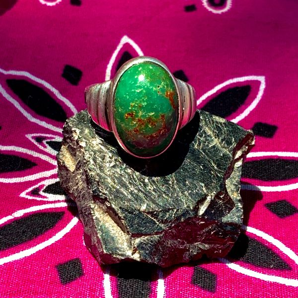 1910s NAVAJO FILED INGOT SILVER GREEN TURQUOISE DOMED OVAL RING