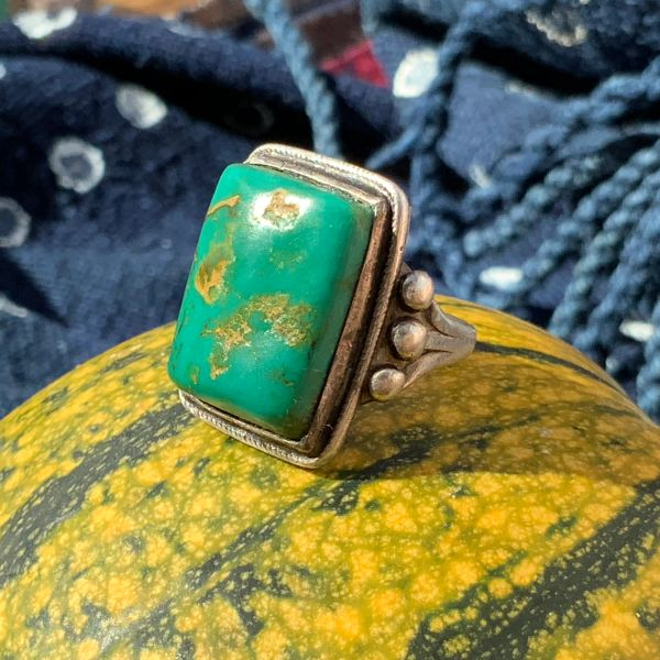 1930s GREEN BEVELED CERILLOS HAND POLISHED RECTANGLE TURQUOISE SILVER