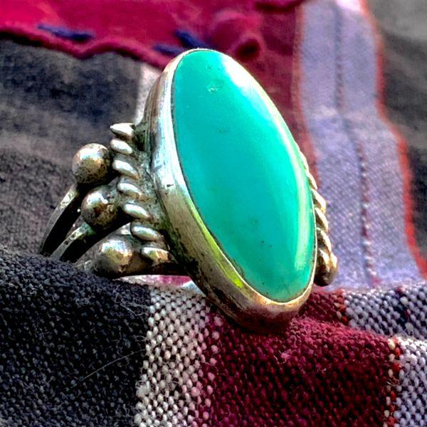 1920s INGOT SILVER DOMED BLUE OVAL TURQUOISE SPLIT SHANK RING