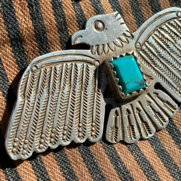 1940s BIG WOLF ROBE HUNT THUNDERBIRD & FACETED BLUE TURQUOISE INGOT SILVER