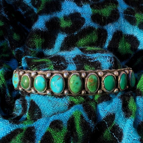 SOLD 1920s THICK HEAVY MENS GREEN & BLUE DEEPLY STAMPED RUFFLED EDGES INGOT SILVER FILE STAMPED ROW CUFF BRACELET