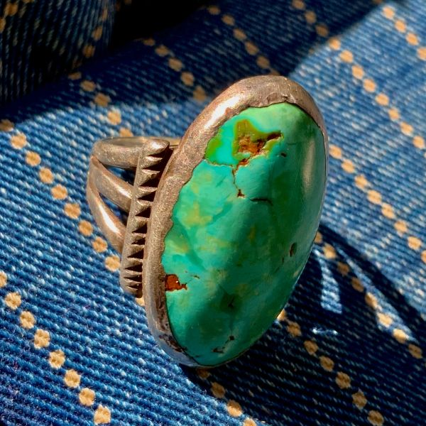 1890 CHISELED SPLIT SHANK INGOT SILVER WELL WORN YELLOW, GREEN AND BLUE HUGE DOMED OVAL PERSIAN LONG TURQUOISE RING