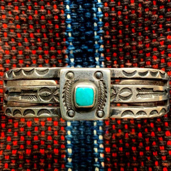 SOLD 1920s SPLIT SHANK INGOT SILVER STAMPED ARROWS BLUE TURQUOISE CUFF BRACELET