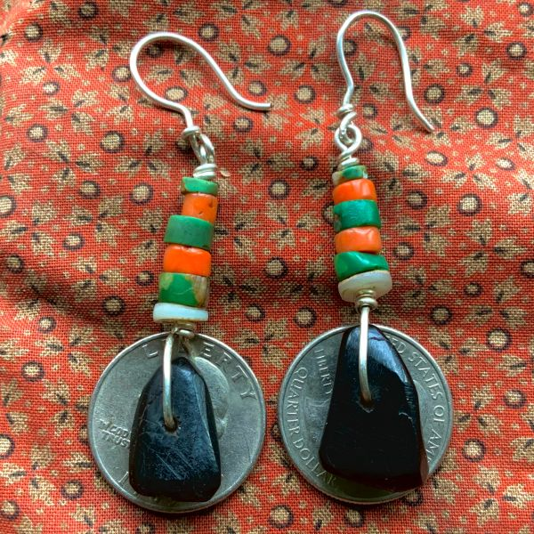 1920s JET,CORAL, CLAM SHELL, CERILLOS GREEN TURQUOISE HEISHI BEADS & SILVER WIRE EARRINGS