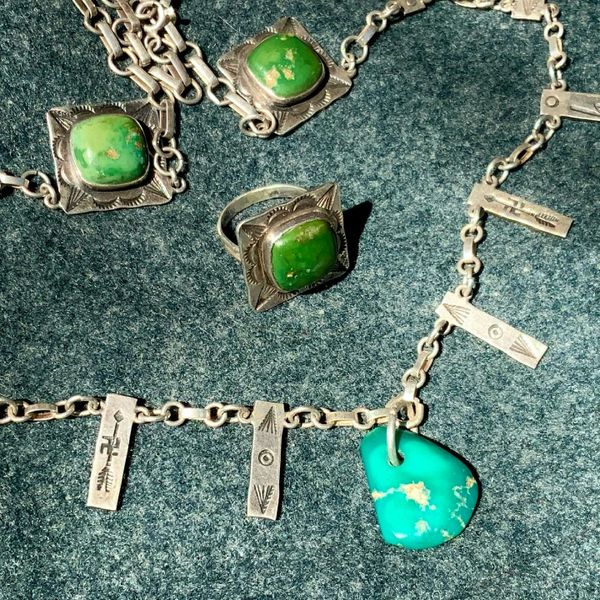 11930s - 1940s ROYSTON BLUE GEM TAB & CERILLOS GREEN TURQUOISE FRED HARVEY ERA WHIRLING LOG & ARROW SILVER CHAIN NECKLACE & RIMG SET