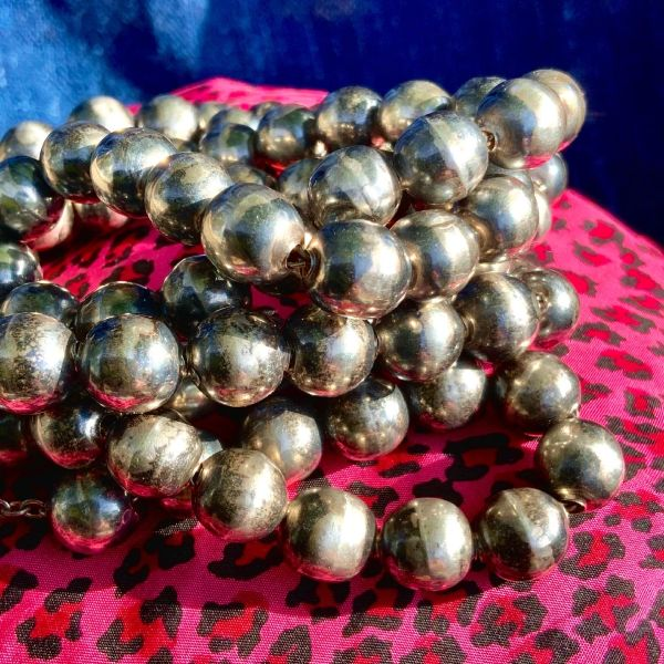 1930s LONG BENCH BEAD NAVAJO PEARL SILVER NECKLACE ON SILVER CHAIN