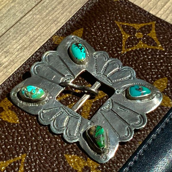 1910s or 1920s INGOT SILVER REPOUSSE HAT BAND BUCKLE WITH WITH GREEN & BLUE TURQUOISE